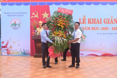 Bí thư Huyện uỷ Krông Pắc dự Khai giảng năm học mới tại trường Trung học cơ sở Ea Hiu